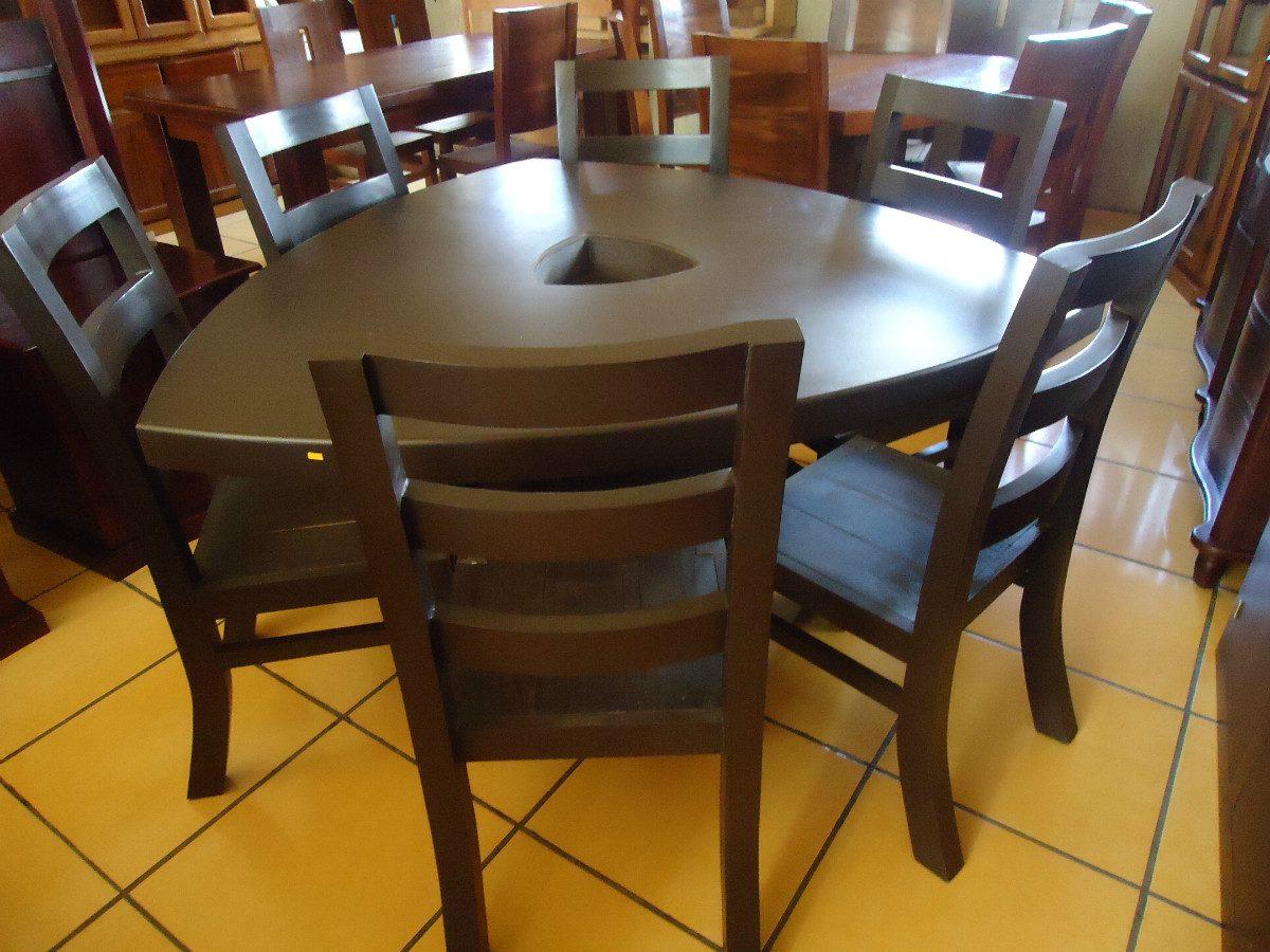 Mesa de comedor triangular ovalada con seis sillas for Comedor seis sillas