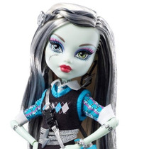 Monster High Frankie Stein School Out