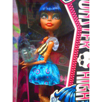 Monster High Muneca Robecca Steam De Serie Ataud Frijol