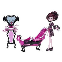 Monster High Draculaura Powder Room Playset With Doll