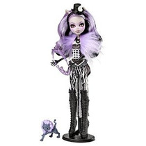 Monster High Freak Du Chic Clawdeen Lobo Doll