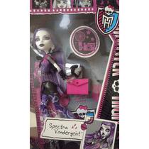 Monster High Spectra Vondergeist Picture Day Muñeca