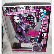 Monster High Spectra Vondergeist Picture Day