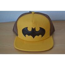 Gorra Batman Trucker Retro Malla Amarilla Parche Y Bordado