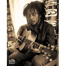 Bob Marley Poster - Sentado Guitarra Mini 40cmx 50cm Nuevo