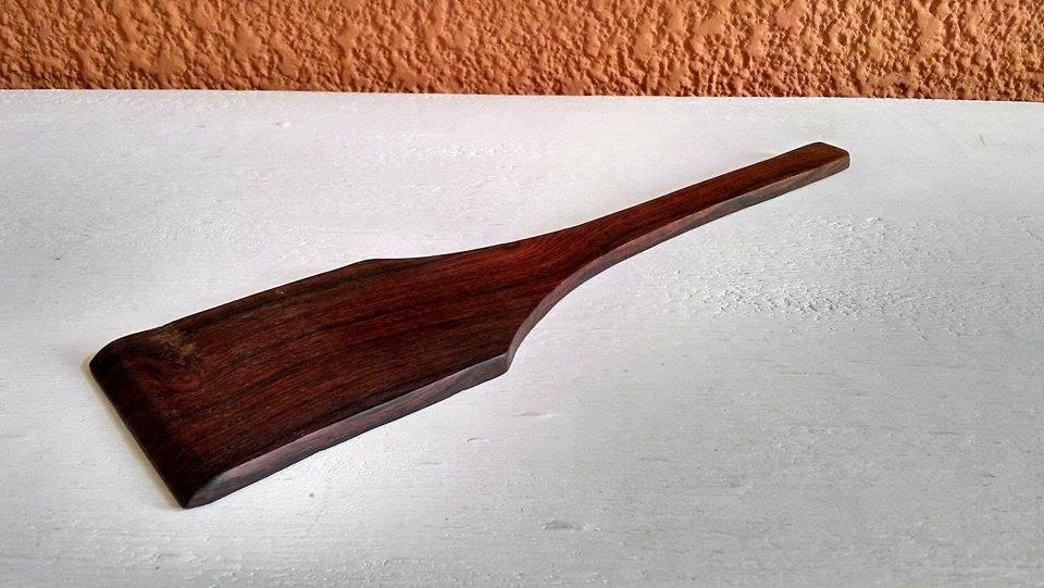 Pala y cuchillo de untar madera de granadillo chef for Cuchillo para untar mantequilla