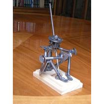Don Quijote Pisa Papel Y Apoya Libros, Accesorio Escritorio