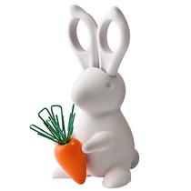 Conejo Con Tijeras Y Clips E Iman De Zanahoria Para Oficina