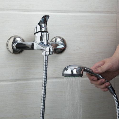 Baño De Bebe En Regadera:Regadera Moderna Para Baño Con Extension Tipo Telefono – $ 1,99000