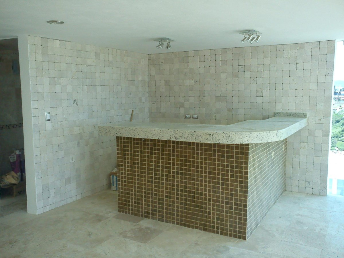 Piso de marmol tomboleado 10x10 m2 rustico 100 for Marmol travertino precio m2