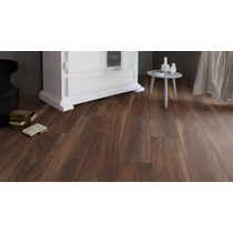 Piso Laminado Tekno Step Oleo Mate 7mm Colocado