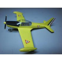 Avion Para Armar De Resina Aeromachi Fam