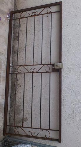 Rejas puertas rejas rejas de herreria rejas y mas rejas for Diseno puertas hierro