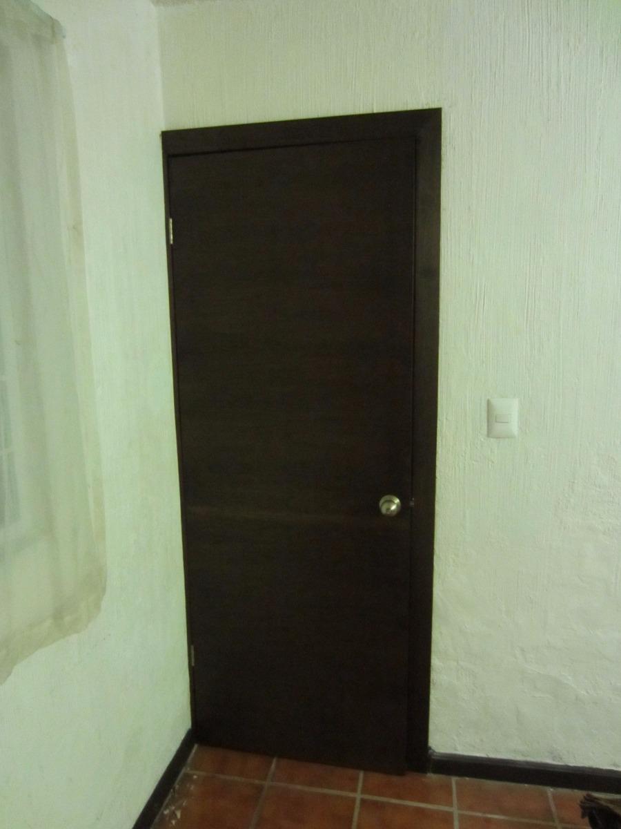 Aberturas puertas exteriores madera en pisos paredes y for Puertas para pisos