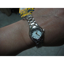 Reloj Q&q Quartz De Dama Plateado Base Metal