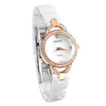 Reloj Femenino Tres Superficies De Cristal Tridimensional