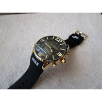 Moderno Reloj Nike Digital Caucho Negro Oro Subasta 1 Peso