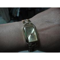 Reloj Q&q Quartz De Dama Dorado Base Metal