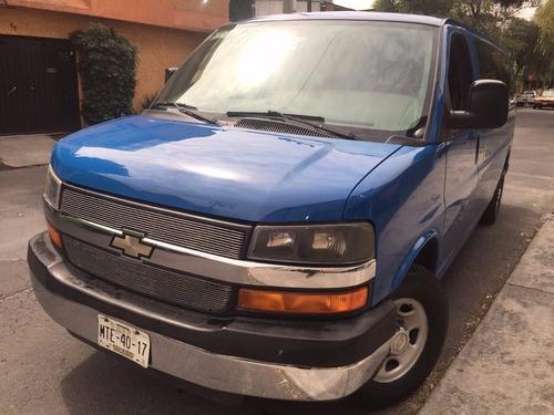 Renta De Camionetas De 7,8,12,y 15 Pasajeros