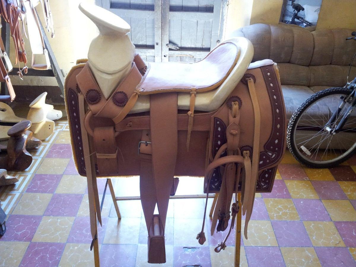 Pin sillas de montar charras o tejanas con fuste forrado for Sillas para montar