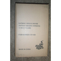 Batman 2011 Bruce Wayne Hot Toys 1/6 Caja Cafe Sellada