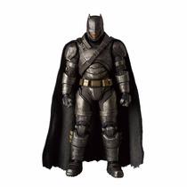 Pre Orden Mafex Medicom Batmanvsuperman - Armored Batman