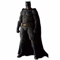 Pre Orden Mafex Medicom Batmanvsuperman - Batman