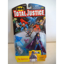 Cazadora The Huntress Total Justice Kenner