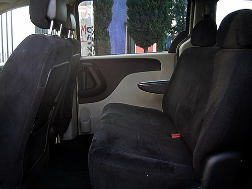 Chrysler Town & Country Lx Dvd 36l 2011