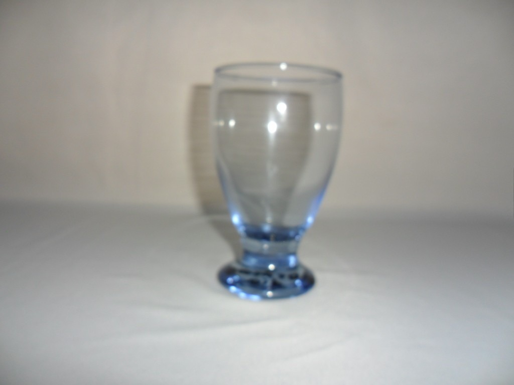 Vaso tipo copa inter color para agua de cristal for Vasos de colores de cristal