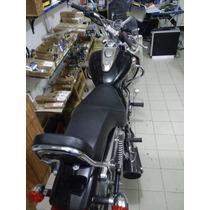 Motocicleta Bajaj Avenger