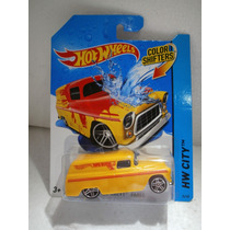 Hot Wheels Color Shifters 55 Chevy Panel Amarillo 14/48 1:64