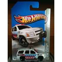 ´07 Chevy Tahoe Hot Wheels Nuevos