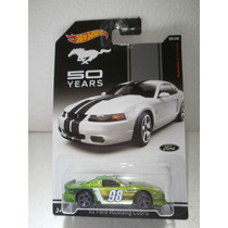 Hot Wheels 03 Ford Mustang Cobra Verde 5/8