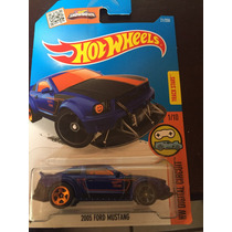 Hot Wheels 2005 Ford Mustang 1/10