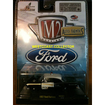 1957 Ford Fairlane M2 Machines Nuevo 1/64