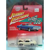 Johnny Lightning - 77 Olds Cutlass Supreme Del 2002