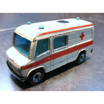 Siku - Mercedes Benz Sprinter Ambulancia