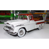 1:24 Chevrolet Apache Cameo 1958 Pick Up M2 Machines