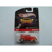Hot Wheels Real Riders Garage 2009 Ford Sedan 34