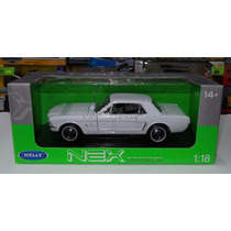 1:18 Ford Mustang Hard Top 1964 1/2 Blanco Welly Shelby