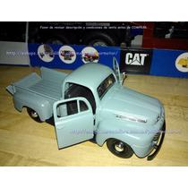 1:24 Ford F-1 Pickup 1948 Gris Display Maisto