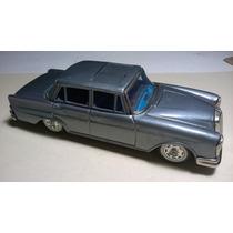 Mercedes-benz 220 S 1963 De Bandai 1:24