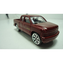 Maisto Chevrolet Silverado 1500 -1999 Ganalo...!!!