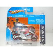 Hot Wheels Tri Y Stop Me Rojo 172/244 2011 Tc
