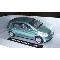1:43 Mercedes Benz Clase B Verde New Ray