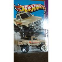 Hotwheels 1987 Toyota Pickup Trock 2012