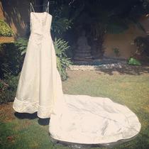 Vestido De Novia Usado Marca Essence Color Ivory (talla5)