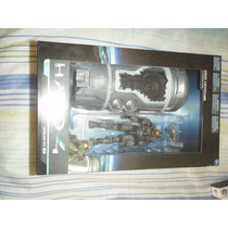 Halo 4 - Master Chief In Unsc Cryotube Mcfarlane Toys.