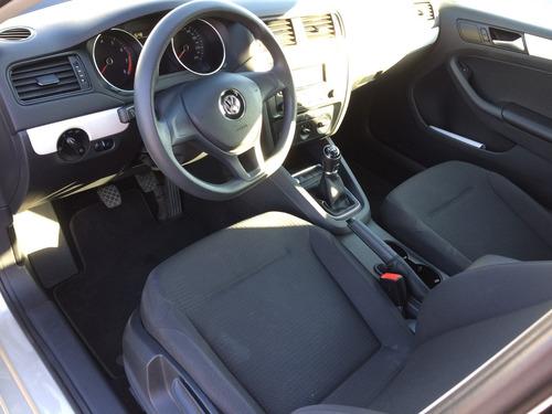 Volkswagen Jetta A6 2.5l Comfortline Manual Economico 2015